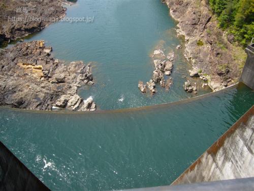 七色ダムの上からの眺め