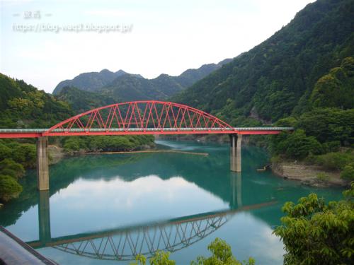 日高川に架かる常盤橋