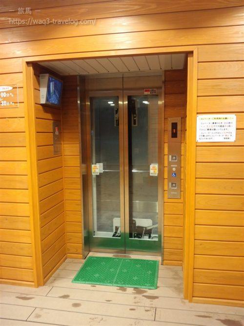 余部クリスタルタワーのエレベーター