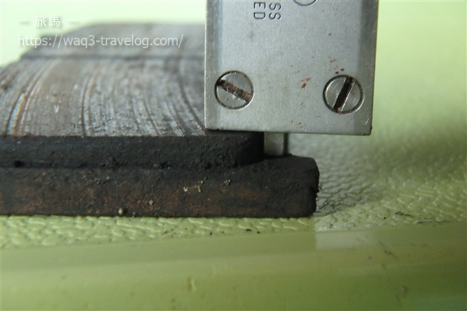 Bandit1250Sフロントブレーキパッドの厚みチェック