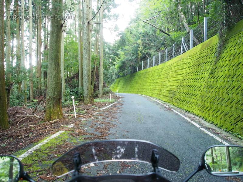 鍋谷峠への旧道