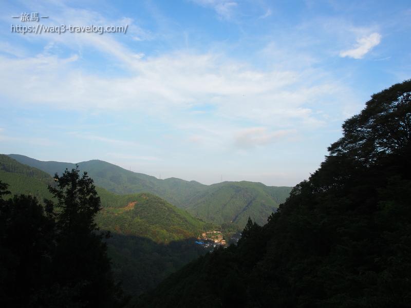 鍋谷峠への旧道からの眺め