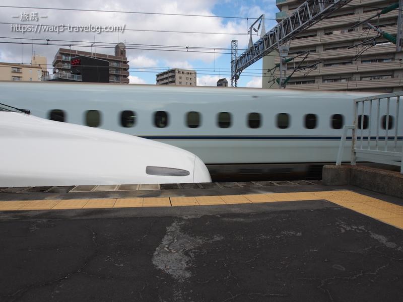 西明石駅を通過するさくら553号