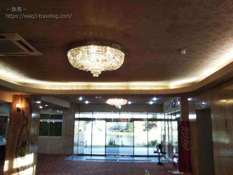 リバーサイドホテル松栄のロビーの天井