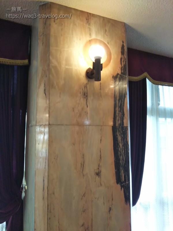 リバーサイドホテル松栄のロビーの照明