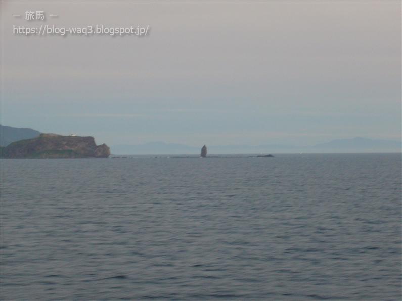 新日本海フェリーの甲板から ローソク岩