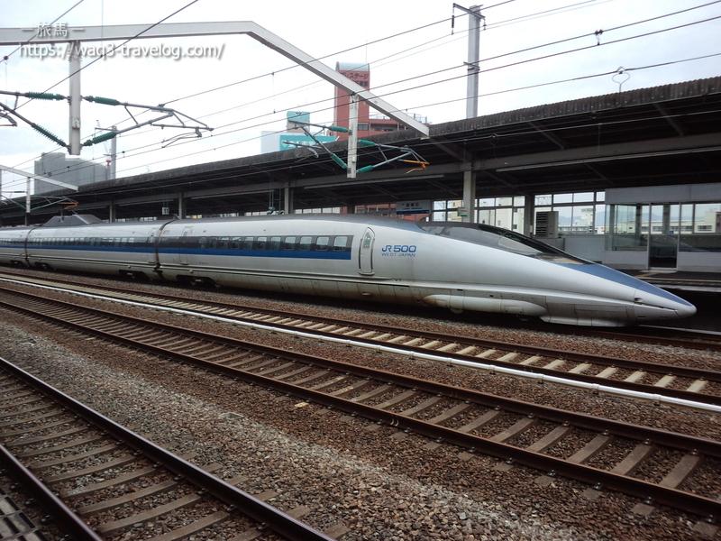 西明石駅停車中の500系新幹線